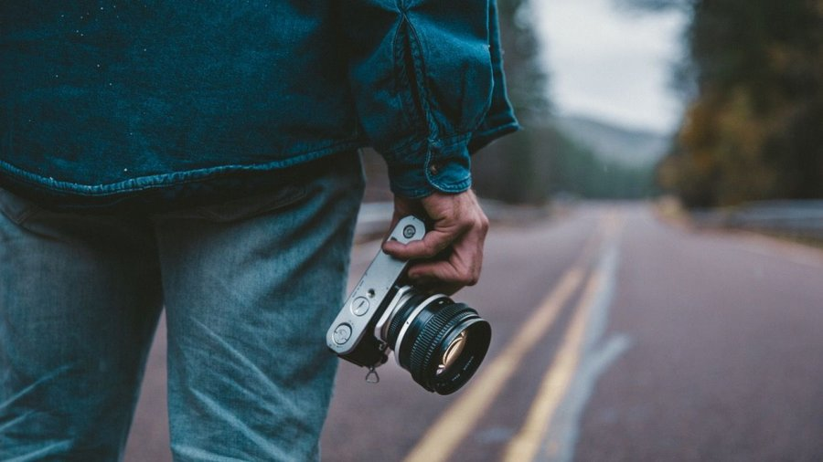 best mirrorless camera for professionals